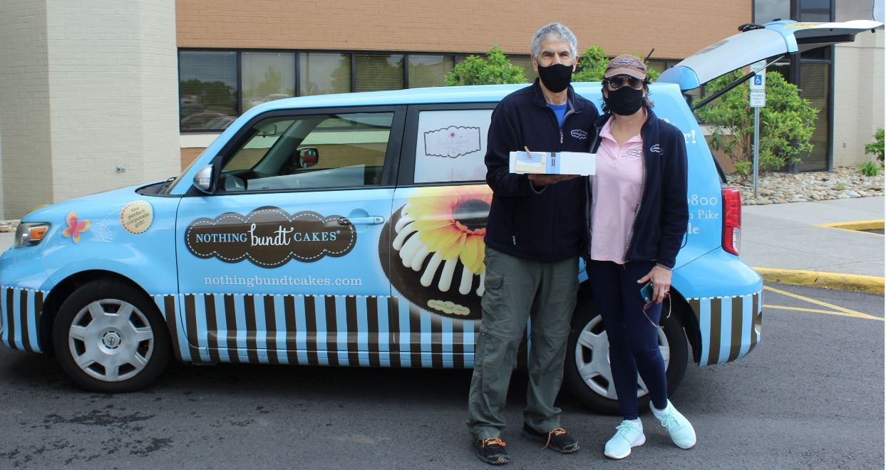 Richard and Kasey Isaac from Nothing Bundt Cakes surprised the Parkwest Medical Center staff with their sweet delivery. Thank you so much, our staff appreciates your support.