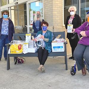 Our thanks to the Sew Good Mask Project and Rotary Club representatives (including Dr. Elaine Bunick) who brought Methodist Medical Center 212 cloth masks, filters to be inserted into cloth masks, 80 N95 masks, 100 medical masks, 200 pairs of gloves, and one hazmat suit. What a gift of generosity!